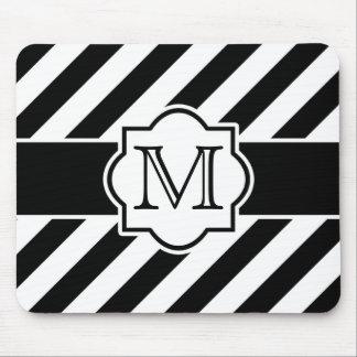 モノグラムが付いている白黒の抽象的な縞模様 マウスパッド