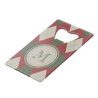 モノグラムが付いている緑及び赤くアーガイル柄のな格子縞パターン クレジットカード栓抜き
