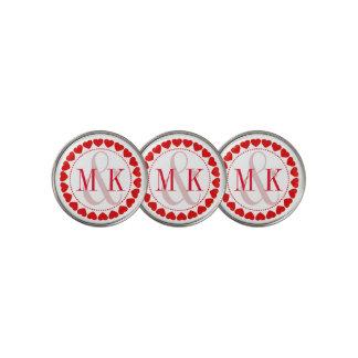 モノグラムが付いている赤く及び白いバレンタインのハート ゴルフボールマーカー