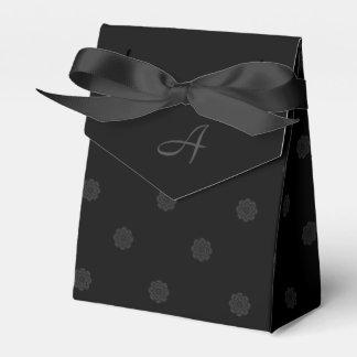 モノグラムが付いている黒のバラの好意箱 フェイバーボックス