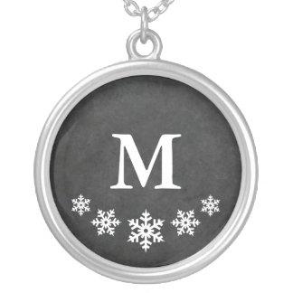 モノグラムので素朴な雪片 シルバープレートネックレス