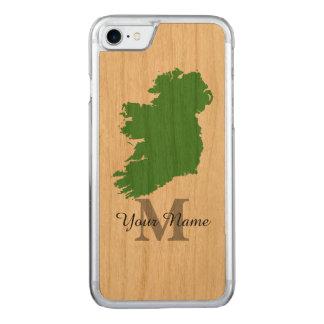 モノグラムのなアイルランドの地図 CARVED iPhone 7 ケース