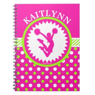 モノグラムのな応援またはPomのピンクおよび緑の水玉模様 ノートブック