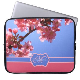 モノグラムのな横浜桜のピンクの桜 ラップトップスリーブ
