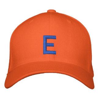 モノグラムのなEの調節可能な帽子 刺繍入りキャップ