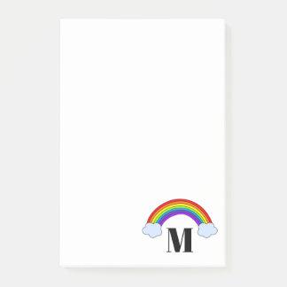 モノグラムのイニシャルが付いている虹4 x 6 ポストイット