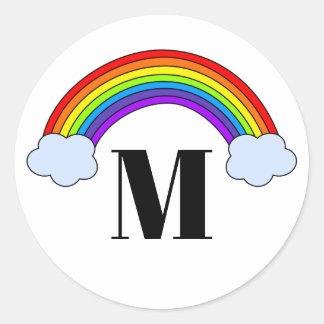モノグラムのイニシャルが付いている虹 ラウンドシール