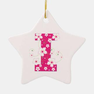 モノグラムのイニシャルIのかわいらしいピンクの花模様カット セラミックオーナメント