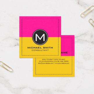 モノグラムのエレガントなモダンなレモンおよび濃いピンク スクエア名刺
