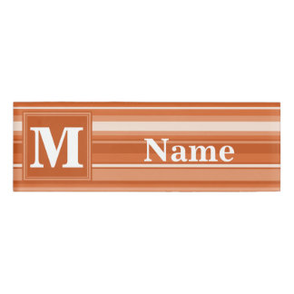 モノグラムのオレンジは縞で飾ります 名札