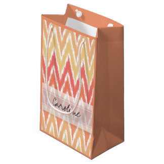 モノグラムのオレンジグラデーションなイカットのシェブロンのジグザグパターン スモールペーパーバッグ