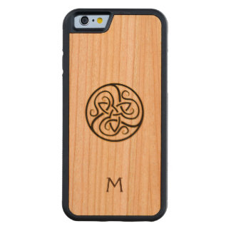 モノグラムのケルト結び目模様の木製のiPhoneの場合 CarvedチェリーiPhone 6バンパーケース