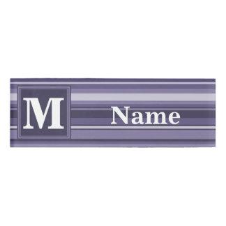モノグラムのヒースの紫色のストライブ柄 名札