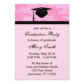 モノグラムのピンクのカムフラージュの卒業パーティーの招待 カード
