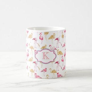 モノグラムのマグ。 フラミンゴの印刷物 コーヒーマグカップ