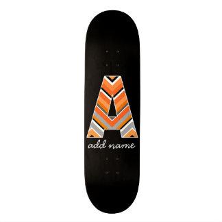 モノグラムの手紙A -シェブロン黒いオレンジパターン スケートボード