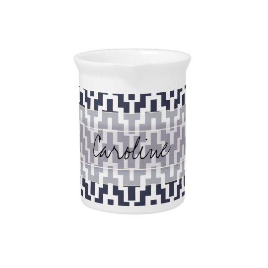 モノグラムの濃紺の白いイカットのシェブロンGeoパターン 飲み物ピッチャー