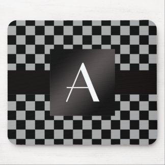 モノグラムの灰色および黒いチェッカー マウスパッド