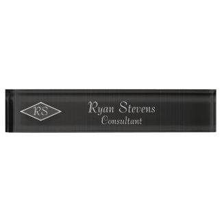 モノグラムの白黒の細い縦縞の机用ネームプレート デスクネームプレート