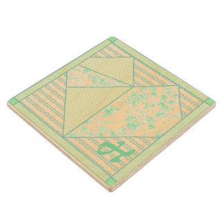 モノグラムの真新しい緑のハートのパッチワークキルト ウッドコースター