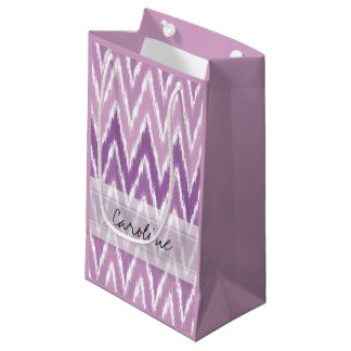 モノグラムの紫色のグラデーションなイカットのシェブロンのジグザグパターン スモールペーパーバッグ