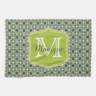 モノグラムの緑の花模様 キッチンタオル