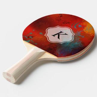モノグラムの赤くグランジなデジタル抽象美術 卓球ラケット