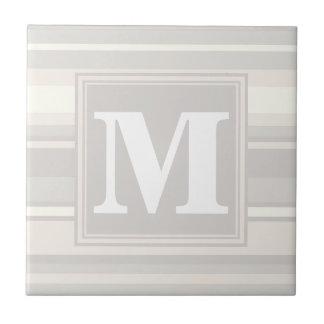 モノグラムベージュ色ストライブ柄 タイル