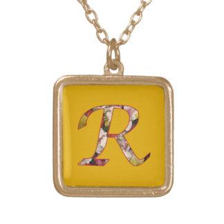 モノグラム最初のRの花柄のネックレス ゴールドプレートネックレス