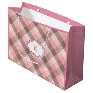 モノグラム。 ピンクの格子縞 ラージペーパーバッグ