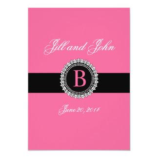モノグラムBの(紋章の)フラ・ダ・リの結婚式招待状のピンク カード