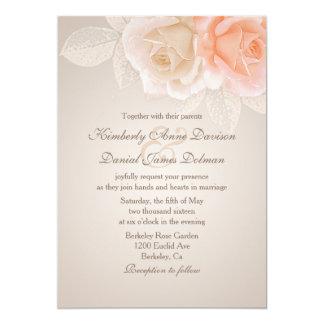 モモおよびクリームのバラの結婚式招待状2 カード