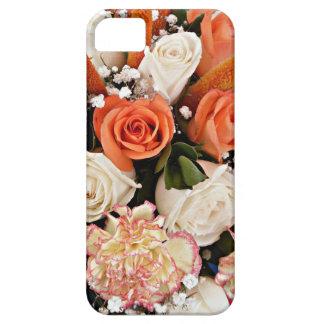 モモのカーネーションを持つオレンジおよび白いバラ iPhone SE/5/5s ケース