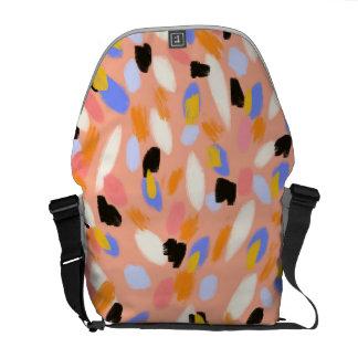 モモの抽象芸術 メッセンジャーバッグ