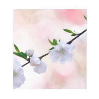 モモの花 ノートパッド