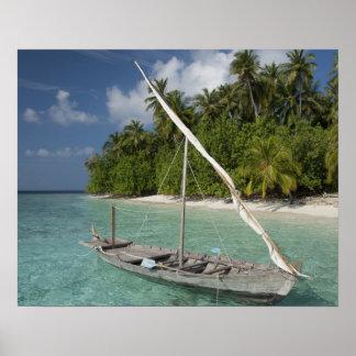 モルディブの北の男性の環礁、Kudaの島 ポスター