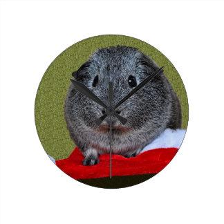 モルモットのクリスマス ラウンド壁時計