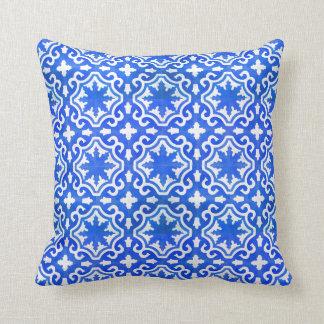 モロッコのオーシャンブルーのタイルパターン クッション