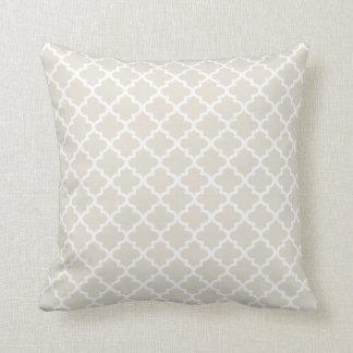 モロッコのクローバーパターン枕 中立ベージュ色 クッション