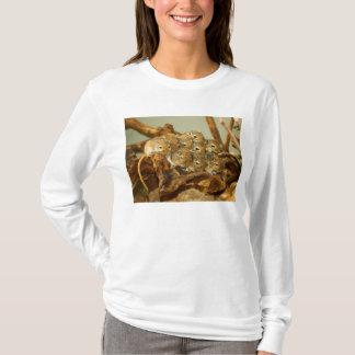 モンゴルのスナネズミのMeriones Unguiculatusのグループ Tシャツ
