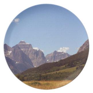 モンタナ分野及び山の装飾的なプレート プレート