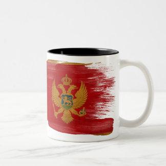 モンテネグロの旗のマグ ツートーンマグカップ