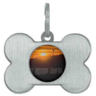 モンテビデオウルグアイの空中写真の日没場面 ペットネームタグ