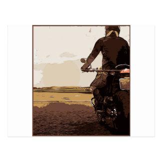モーターサイクリスト、道のバイクもしくは自転車に乗る人 ポストカード