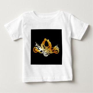 モーターバイクの発育阻害を行っている人 ベビーTシャツ