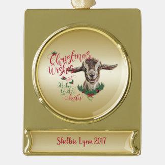 ヤギ|のクリスマスの願いのベビーのヤギはToggに接吻します ゴールドプレートバナーオーナメント