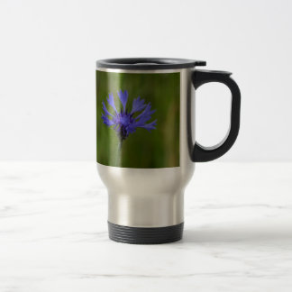 ヤグルマギク(Centaureaのcyanus)のマクロ写真 トラベルマグ