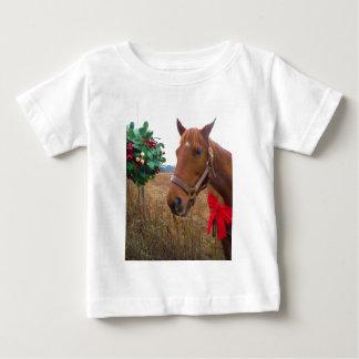 ヤドリギの下のキスをするな馬 ベビーTシャツ
