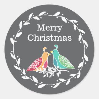 ヤマウズラの鳥の素朴なリースのメリークリスマス ラウンドシール