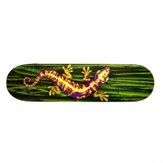 ヤモリのデッキ スケートボード